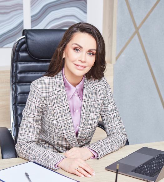 Дарья Милай в своем кабинете