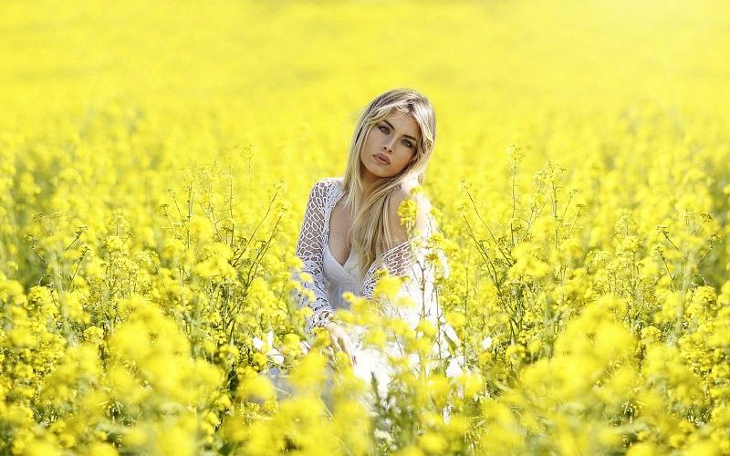 Желтый цвет в психологии: значение, что символизирует, о чем говорит