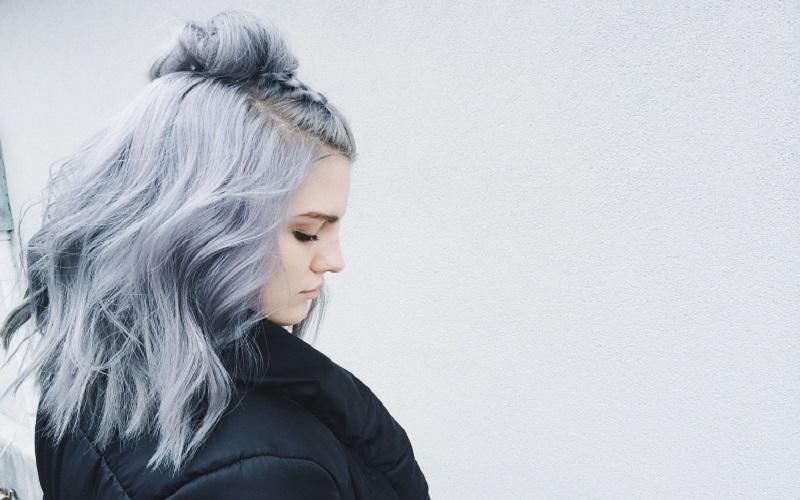 серый цвет психология