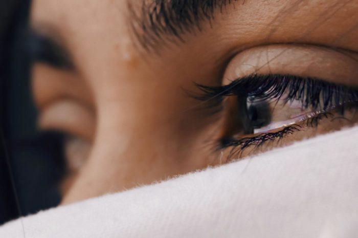 как сдержать слезы при разговоре от обиды